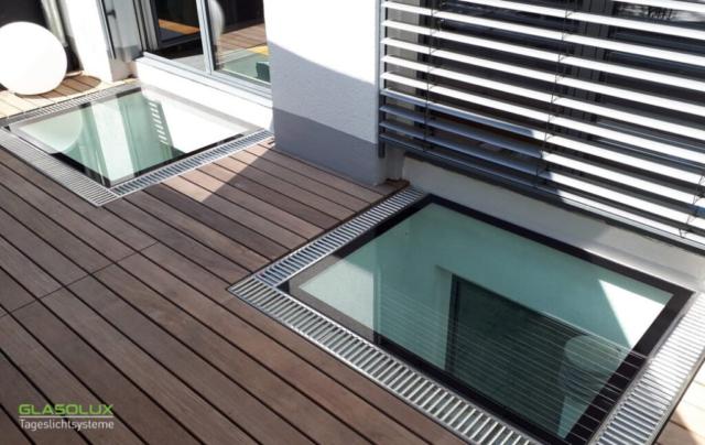 Zwei begehbare Lichtschächte auf der Terrasse