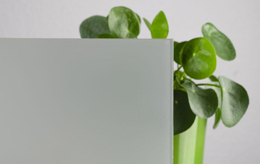 Glas mit blickdichter Opal-Laminierung
