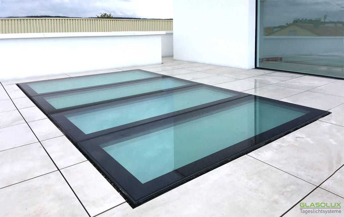 Begehbares Bodenglas WALK-ON mit Antirutschbeschichtung auf einer Dachterrasse