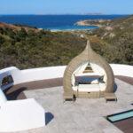 Sardinien: zwei begehbare Oberlichter auf einer Dachterrasse